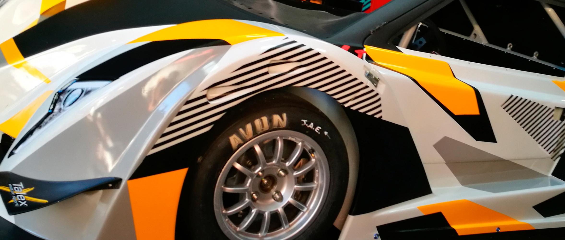 rotulacion coche de carreras subidas cm
